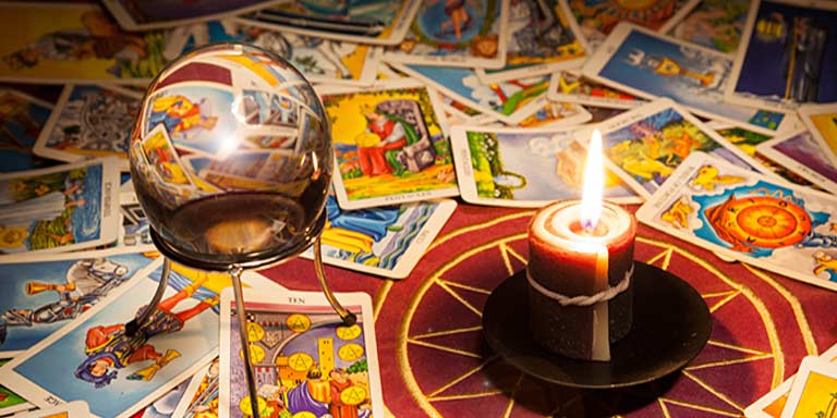 How Tarot Card Readings help to predict Marriage?